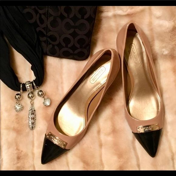 ac36f33bd4cf2 COACH Zan carmel and black leather pumps